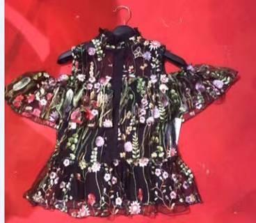 时装女装亚博国际网站首页裙摆花纹绣