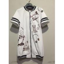 白色长外套