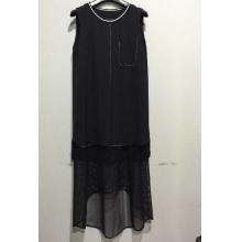 黑色无袖连衣裙