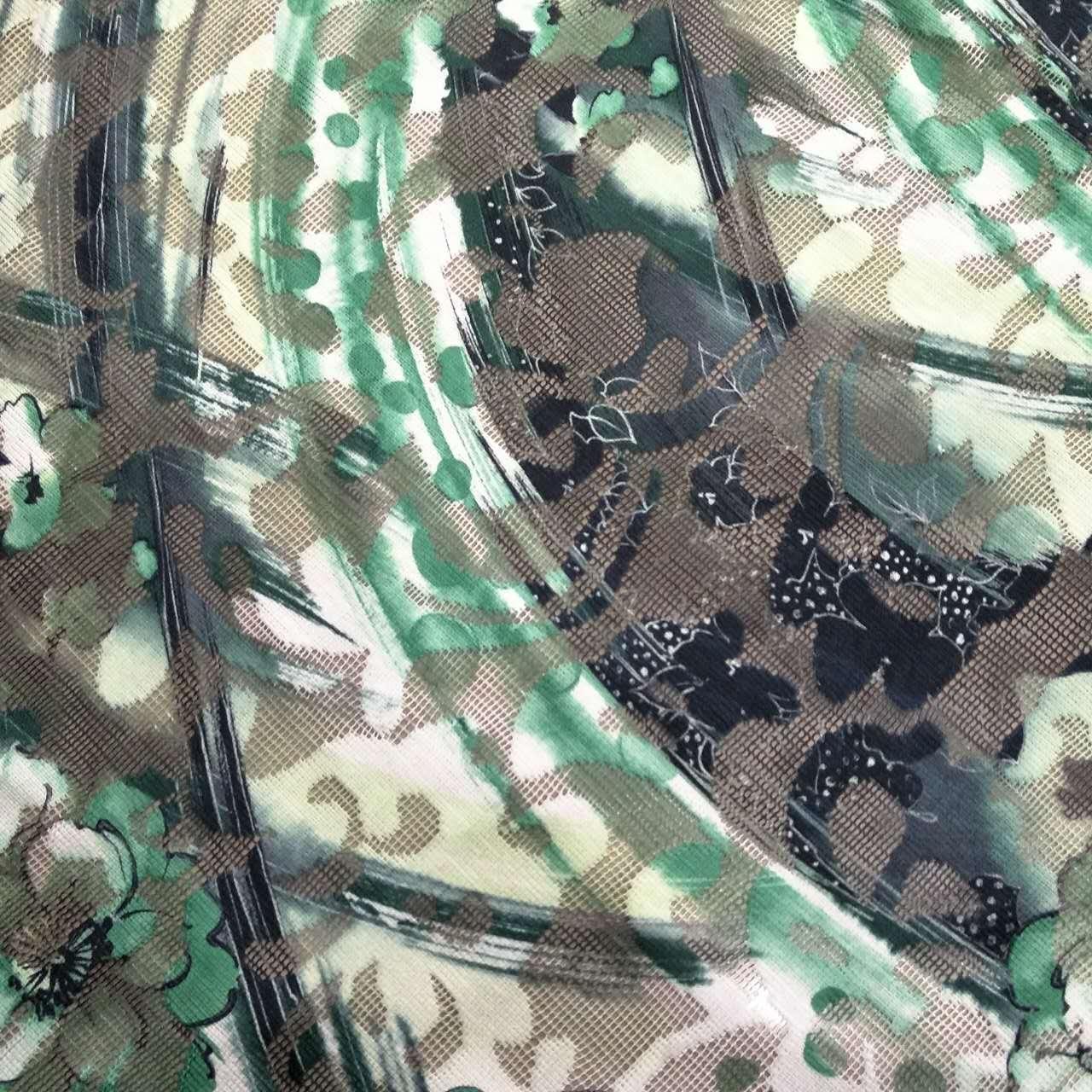 二十年印花厂,几千个花型配色,总有一些适合你!专门从事化纤类纺织品的转移印花加工