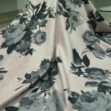 秋冬时尚女装大牌潮流 欧雅呢印花  特色的花型等你来挑选